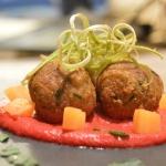 Albóndigas de Seitán con Salsa de Remolacha