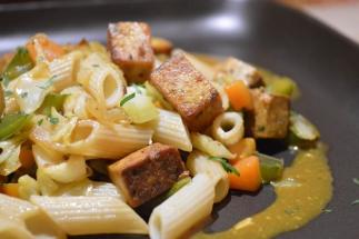 Macarrones de espelta con tofu