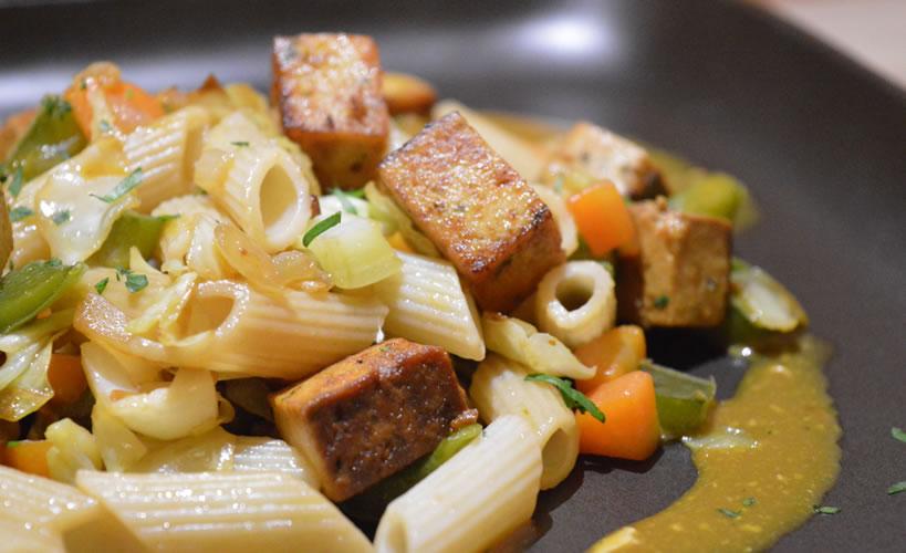 pasta con tofu destacada