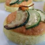 Pastelitos de Polenta con salsa Romescu